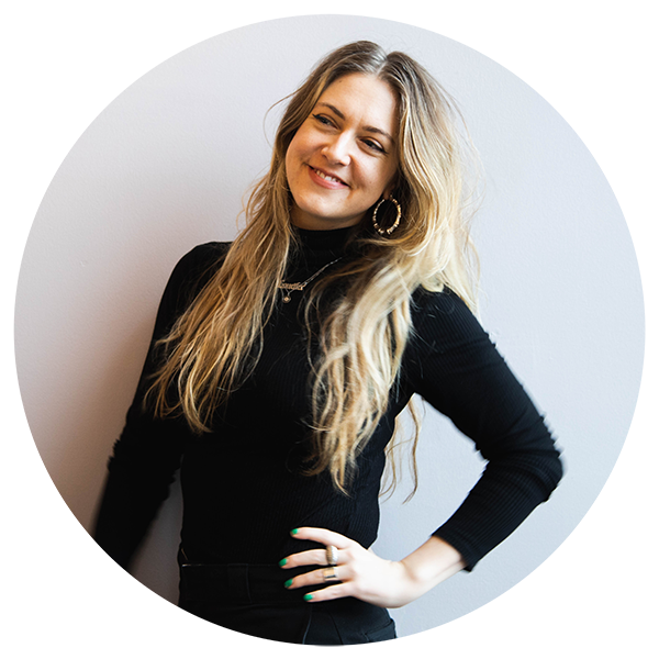 Loulou, EB Customer Experience & Fit Specialist