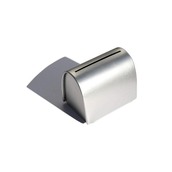 Product image of silver razor blade tin
