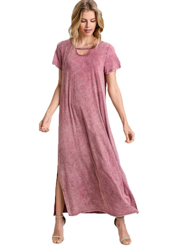 Washed Maxi Dress With A Keyhole Cutout, Short Sleeves, And A Vented Hem.