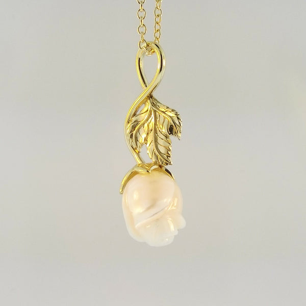 Drop Rose Pearl Pendant