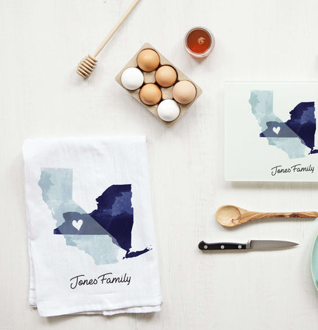 Miss Design Berry Mug Gift Set State of Love Collection: Tea Towel and Cutting Board Set