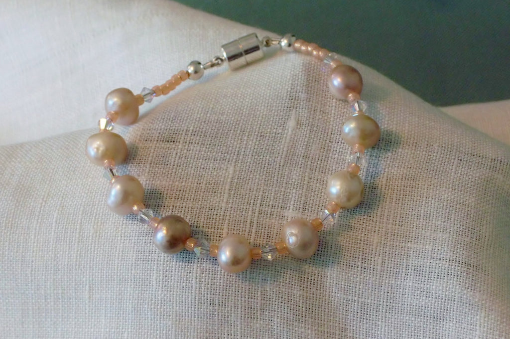 Freshwater Pearl and Crystal Bracelet With Peach