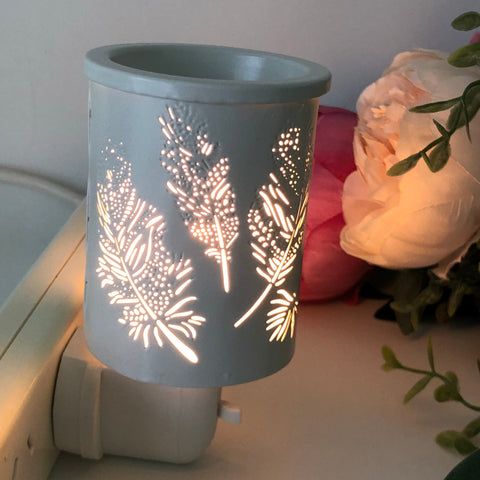 Plug In Melt Warmer - The Feathers White