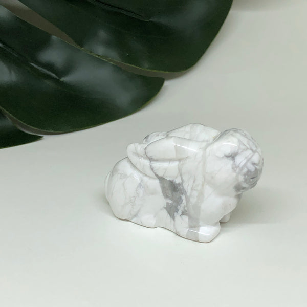 Howlite Rabbit - RB101
