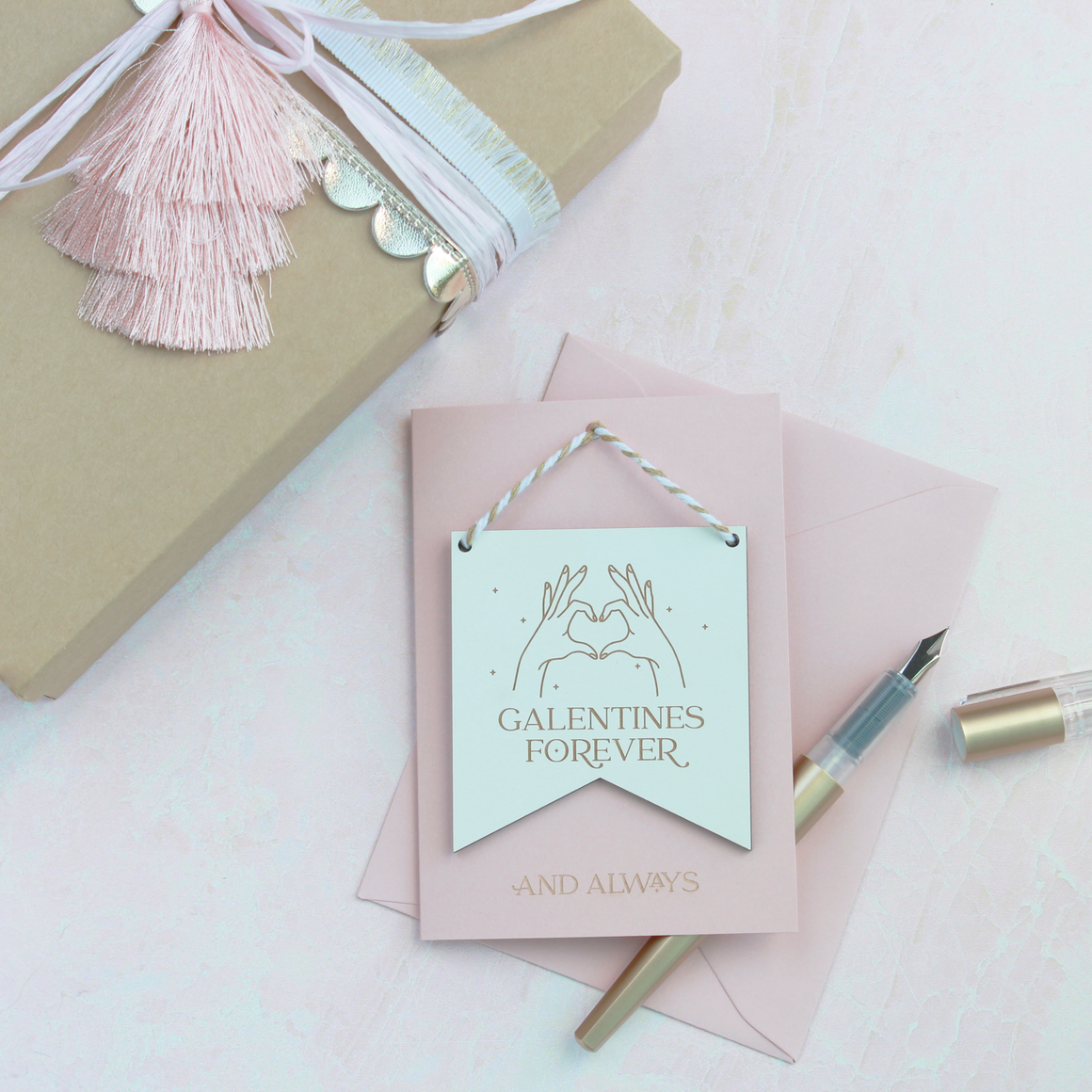 GALENTINE MINI FLAG WITH CARD