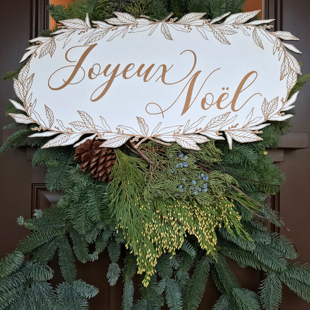 Holiday Nicolette Wreath Plaque