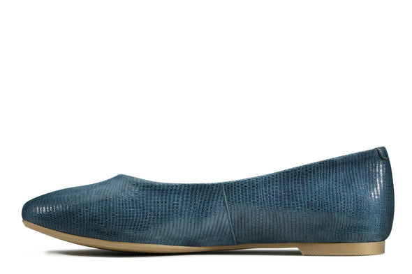 Clarks Chia Violet Navy Interest