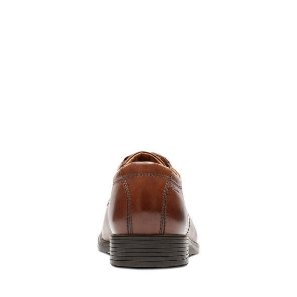 Clarks Tilden Cap Dark Tan Lea
