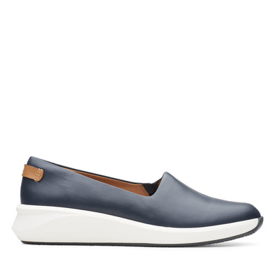 Clarks Un Rio Step Navy Leather