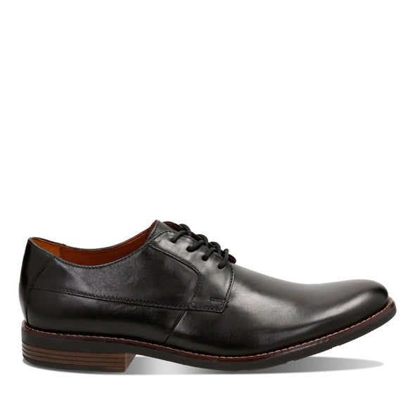 Clarks Becken Plain Black Leather