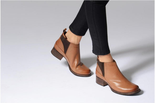 Clarks Monica Pearl Tan Leather