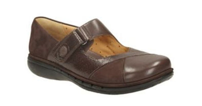 Clarks Un Swan Dark Brown Lea