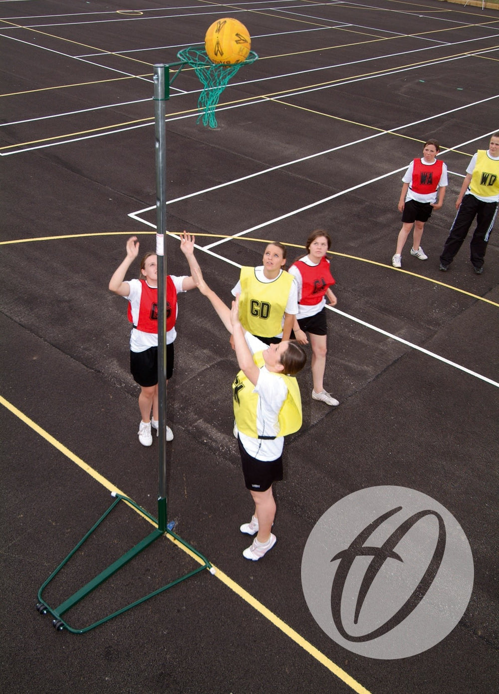 NBL-023 Wheelaway Netball Post and Base (10mm Ring)