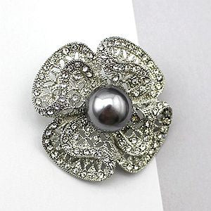 Vintage Style Fashion Trendy Winter Coat Simulated Pearl Rhinestone Flower Pendant Brooch Pin Scarf Clips