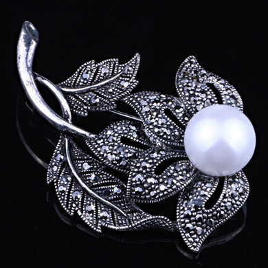 Vintage White Pearl Brooch Fine Bridal jewelry Antique silver Brooches Bouquet Fashion Hijab Scarf Pin Up Buckle