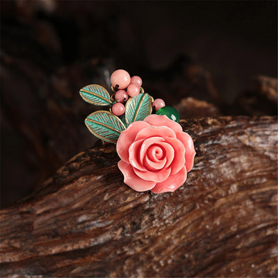 Original creation Bronze color alloy inlaid pink deep sea shell artificial carved petals brooch Corsage pins