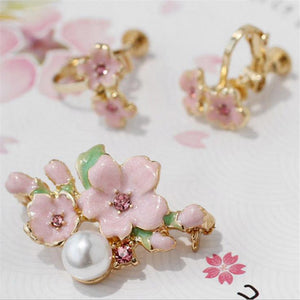 New Fashion delicate enamel Sakura Badges brooch peach blossom flower pins brooches Woman Clothing Bag 1PC