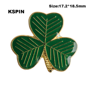 Clover Badge Badge pin badge Free shipping