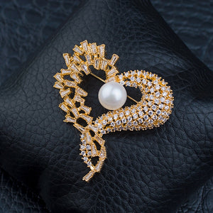 Luxury love heart  brooch with fresh water pearl Zircon jewelry sterling silver seat CZ zirconia jewelry