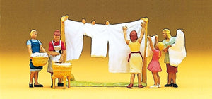 Preiser 10050 00/H0 Women Hanging Washing Model Railway Figure Set - SGS Model Store