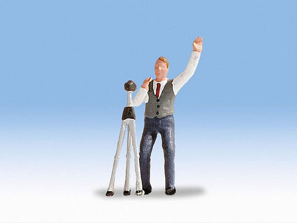 Noch 1557106 H0 Scale Pepe The Photographer Model Railway Figure - SGS Model Store
