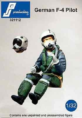 PJ Production 321112 1/32 German F-4 pilot seated in aircraft Resin Figure - SGS Model Store