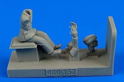 Aerobonus 480 152 1/48 WWII RAF Driver for Albion AM-463 Fueller Resin Figure - SGS Model Store