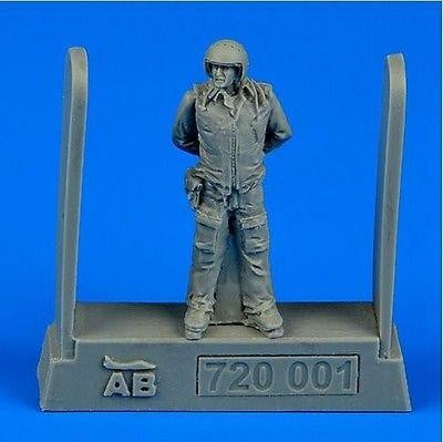 Aerobonus 720 001 1/72 Soviet air force fighter pilot Resin Figure - SGS Model Store