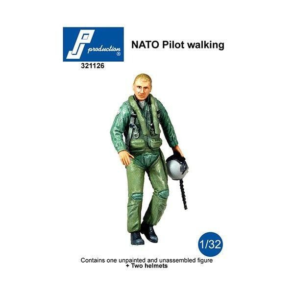 PJ Production 321126 1/32 NATO Pilot walking Resin Figure - SGS Model Store
