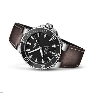 oris-aquis-automatic-300m-mens-watch-Blu Retail Group.jpg
