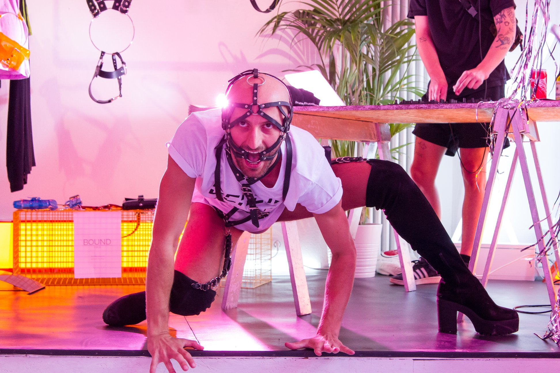 Edegar Starke dancing performance with harnesses at concept fashion store Studio183 Berlin
