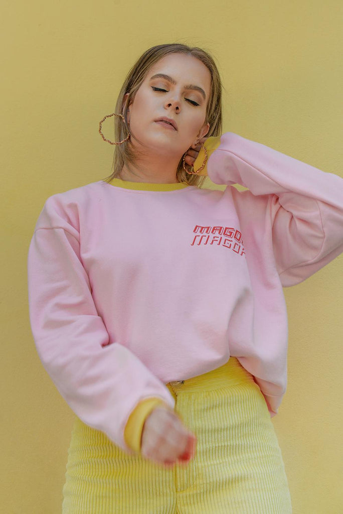 Māgoa x Kiss the future sweater in pink & yellow - Studio183