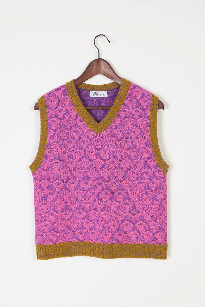 V-neck Textured Vest - Studio183