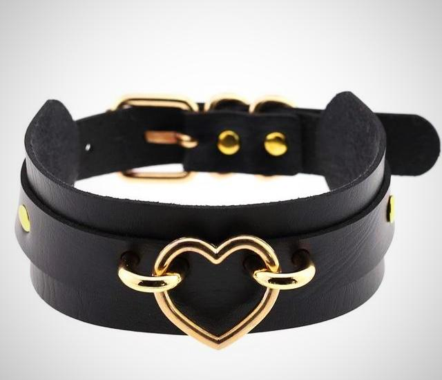 Hecate's Golden Heart Choker - BLACK RABBIT STORE