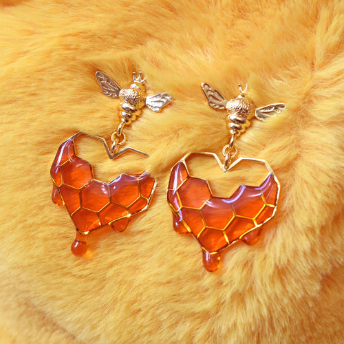 *PREORDER* Honeycomb Heart Earrings 18k Gold