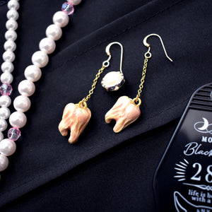 Royal Rotten Tooth Earrings [Yumiyumyum x Jelly Ultra]
