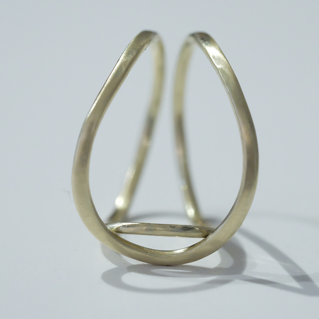 Acrobat finger ring