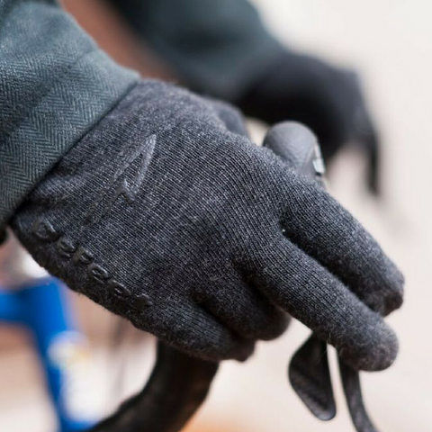 Defeet black wool gloves
