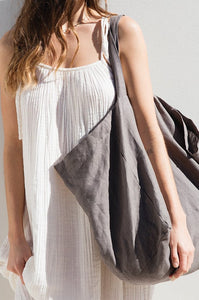 The Beach People Linen Tote Charcoal