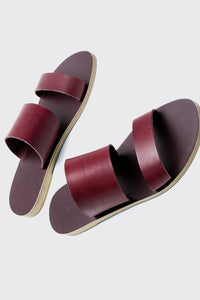 KYMA Delos Sandal in Bordeaux