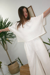 ANAAK Kai Deep V Top White oversized easy