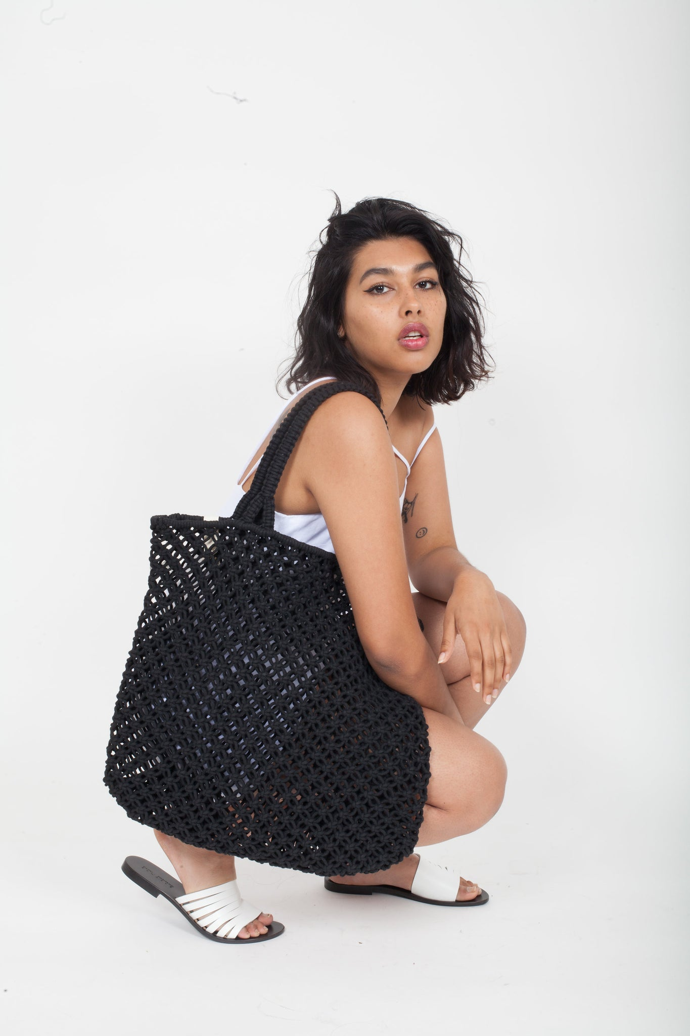 THE BEACH PEOPLE | Macrame Cotton Cord Tote Bag - Black