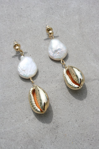 AMBER SCEATS Slater Earrings Pearl