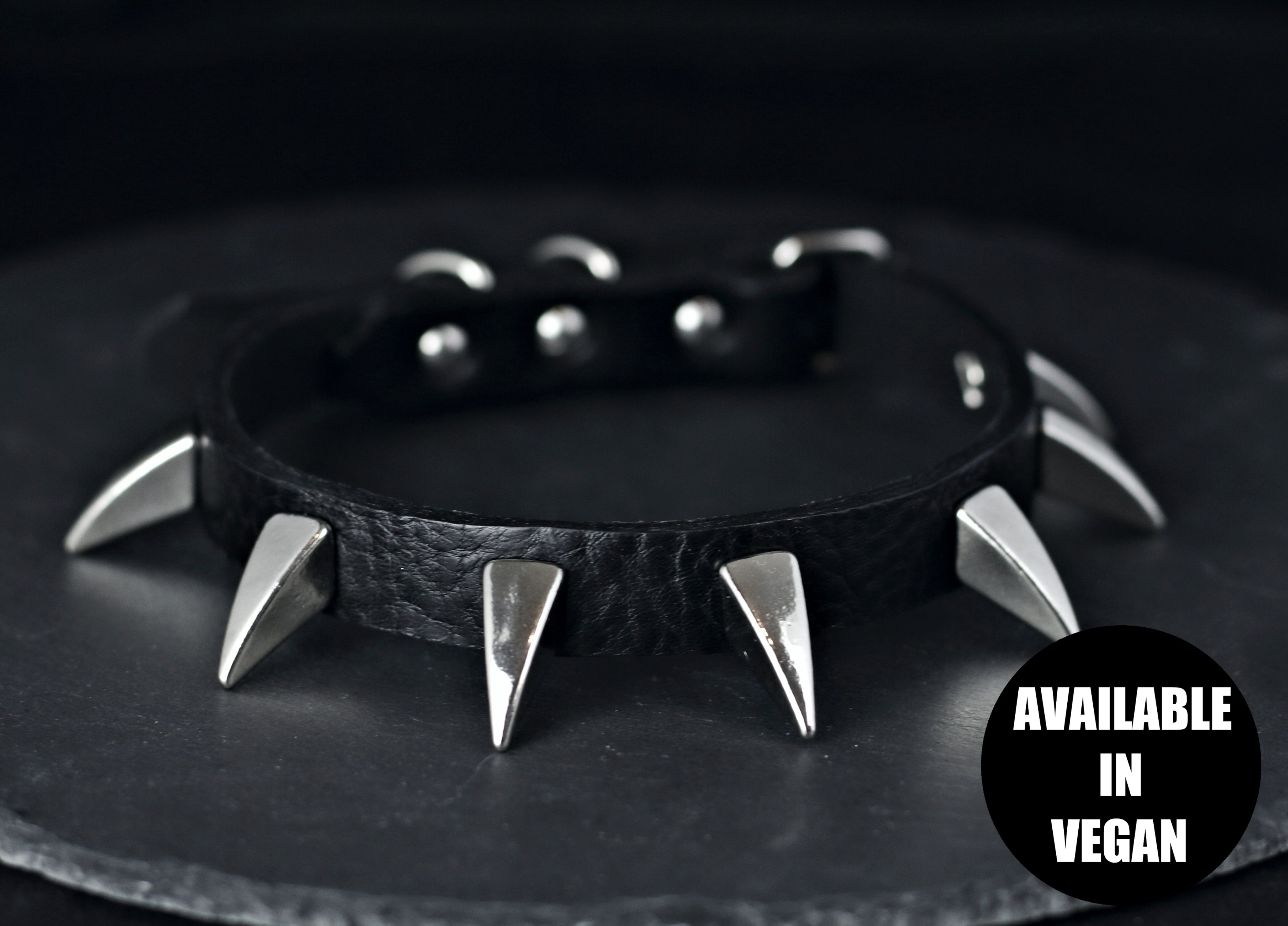 Restless Mind Choker Medusa silver Leather Choker