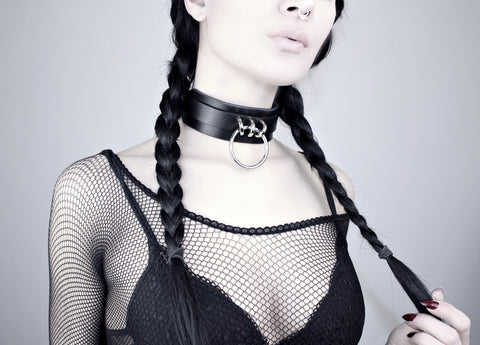 Restless Mind Choker Countess silver Leather Choker