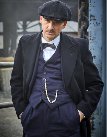 Mens Peaky Blinders Arthur Shelby Vested Navy Suit with Black Overcoat & Hat