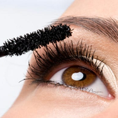 Bacteria in your Mascara?