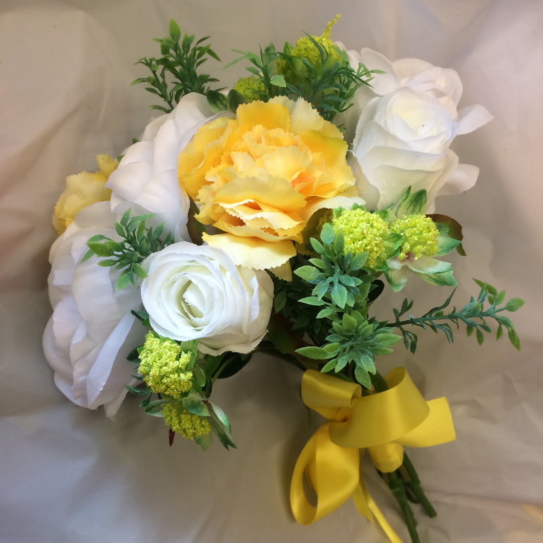bridesmaid bouquet of yellow and white flowers