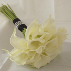 call lily bouquet with black ribbon band