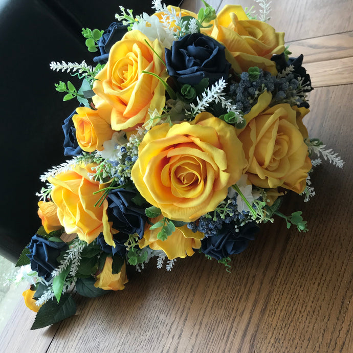 mustard and navy brides bouquet